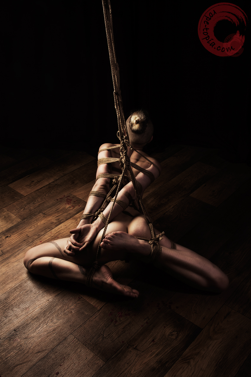 Favolous! bondage rope porn grosse salope qui